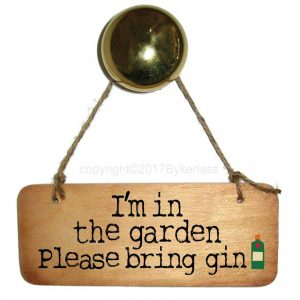 gin-lovers-wooden-sign